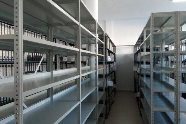 Ròtova incorpora noves prestatgeries a l'arxiu municipal